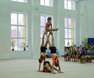 sportivnaya_akrobatika_dlya_detej